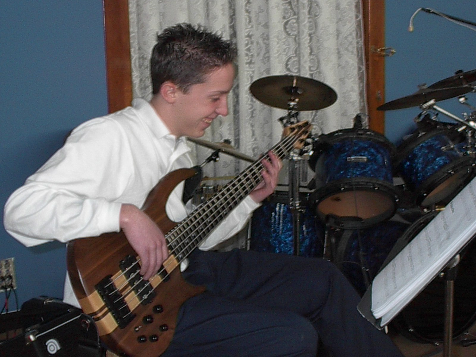 Intermediate/Advanced Bass student
