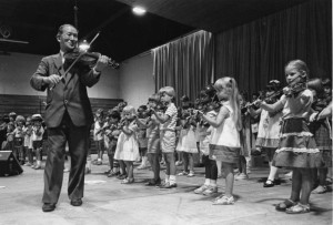 Suzuki photo with kids Violin Studio Chris Cavanaugh